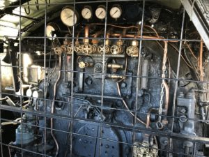 機関車運転席