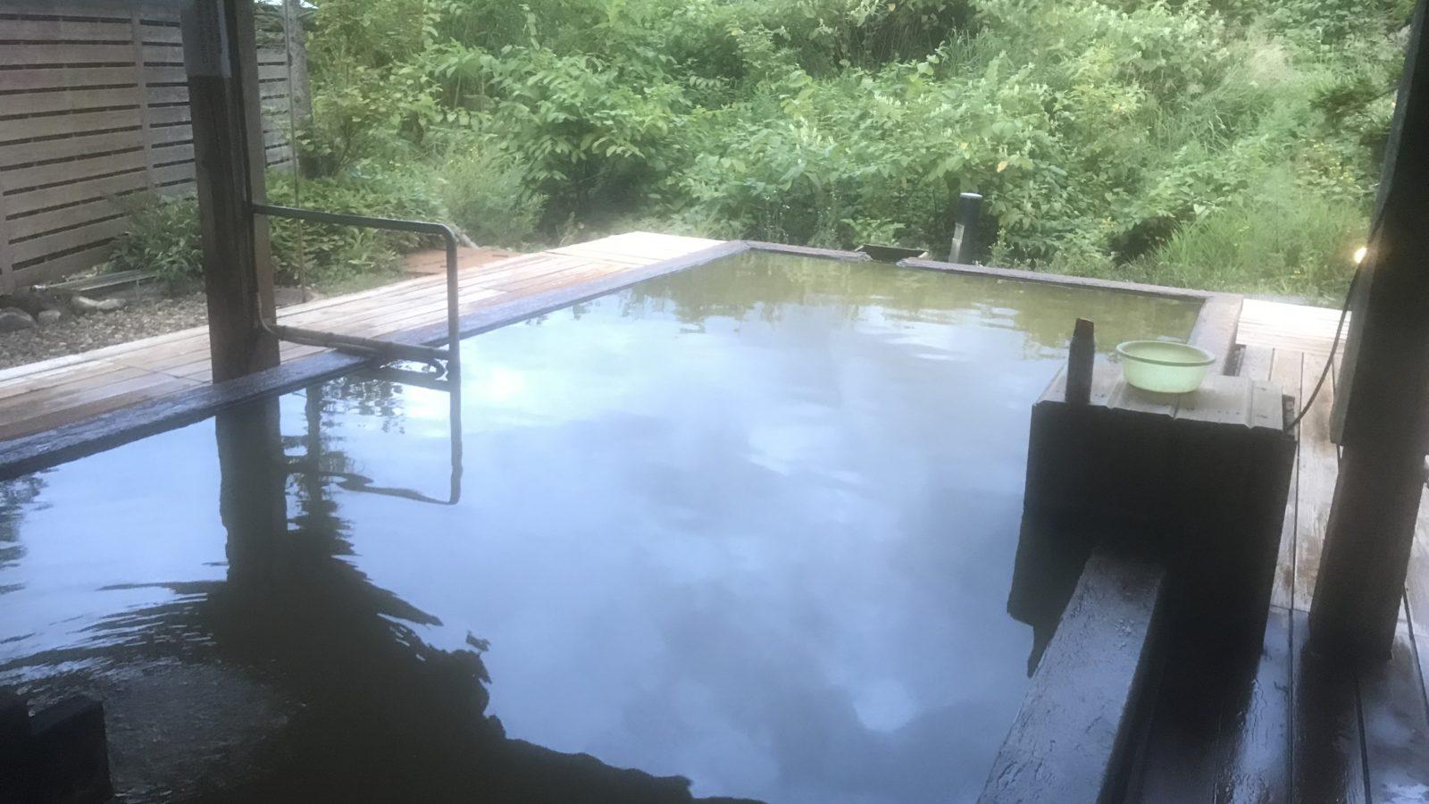 白馬道の塩温泉-倉下の湯