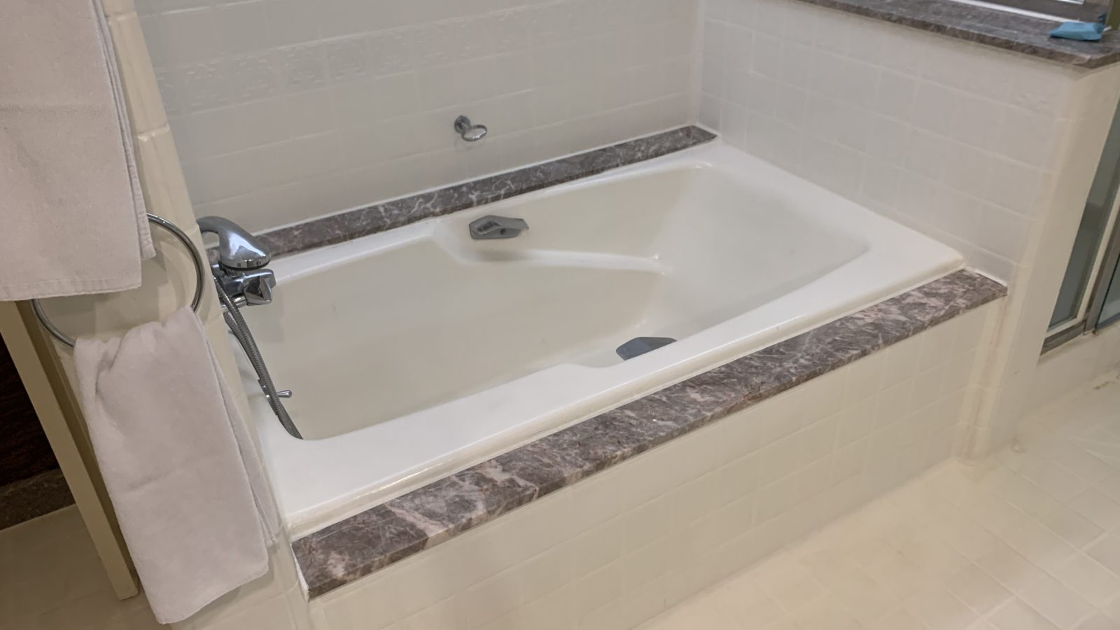 イスタナホテルクアラルンプール-お風呂